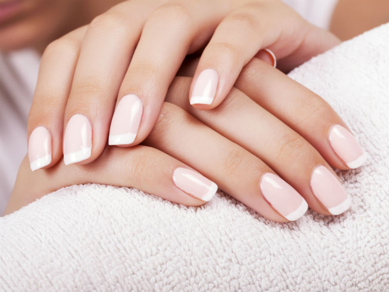 Pose d'Ongles et vernis au gel (SHELLAC)